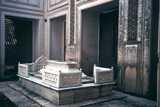 Peninsular India: Hyderabad: Paigah Tombs picture 9