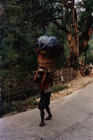 Burma / Myanmar: Kyaikto and the Road South picture 3
