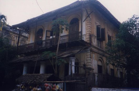 Burma / Myanmar: Moulmein 3: Colonial Houses picture 3