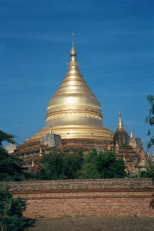 Burma / Myanmar: Pagan 2: More Monuments picture 6