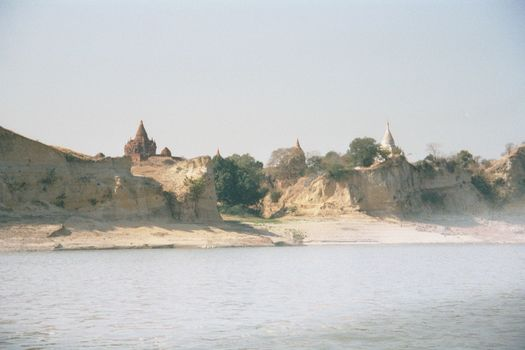 Burma / Myanmar: The Irrawaddy picture 1