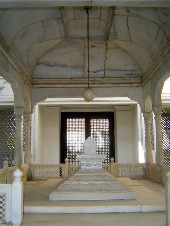 Peninsular India: Hyderabad: Paigah Tombs picture 12