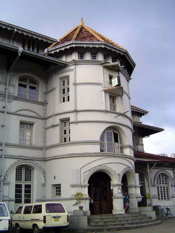 Sri Lanka: Kandy: British Institutions picture 16
