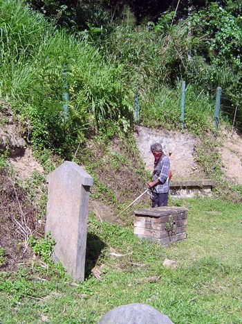 Sri Lanka: Kandy: Christian Cemeteries picture 5