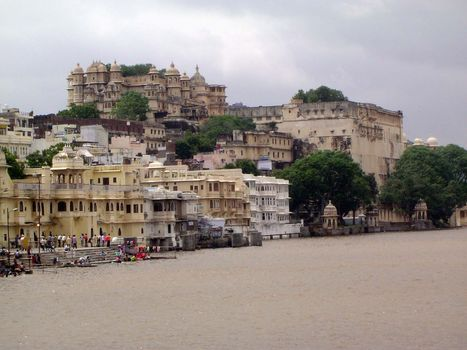 Peninsular India: Udaipur City Palace and Bagore ki Haveli picture 1