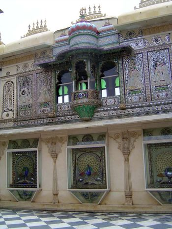 Peninsular India: Udaipur City Palace and Bagore ki Haveli picture 12