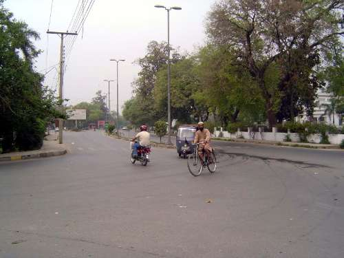Pakistan: Lahore: Modern picture 5