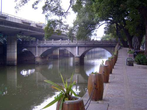 China: Guangzhou: Shamian picture 3