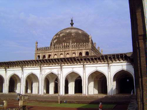 Peninsular India: Bijapur (Vijayapura) picture 7