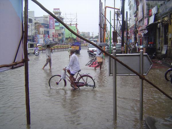 Peninsular India: Monsoon in Kanchipuram picture 2