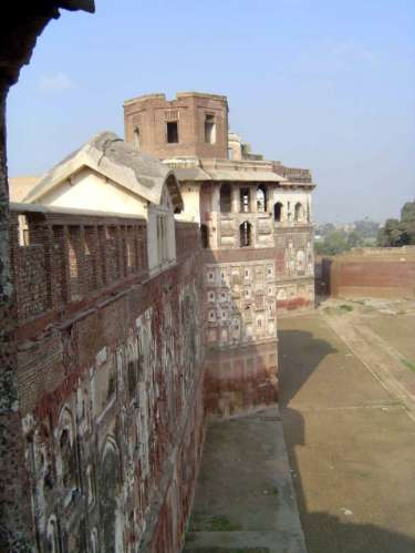 Pakistan: Lahore Fort picture 32