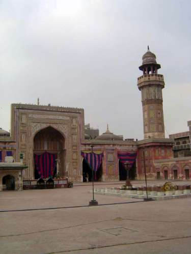 Pakistan: Lahore: Wazir Khan's Mosque picture 9