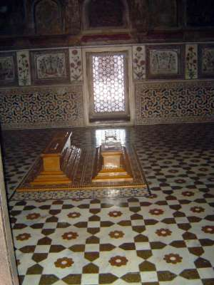 Northern India: Tomb of Itimad-ud-Daulah picture 7
