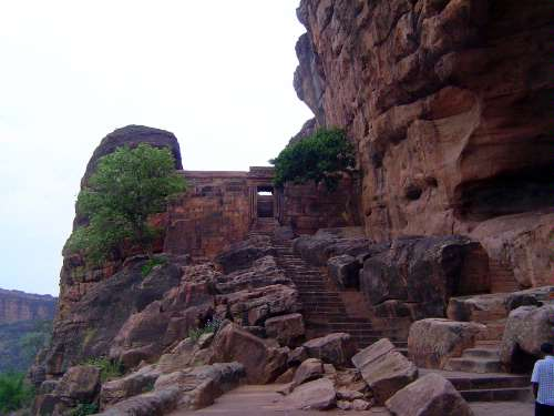 Peninsular India: Chalukya 1: Badami picture 22